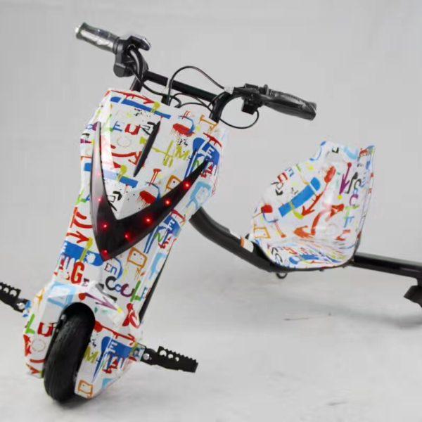 xe điện 3 bánh trẻ em drift scooter 36v vân trắng