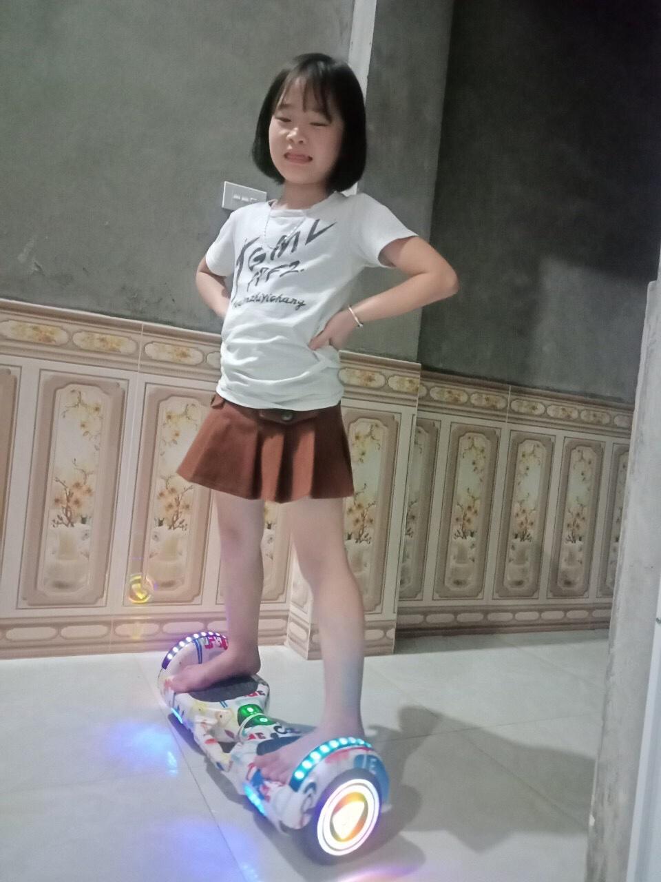 Bé Vui Bắc Giang xe điện cân bằng tay xách